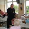 Wizyta Biskupa w szpitalu-4